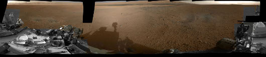Curiosity-color-navcam-from-mastcam-panorama_sm.jpg