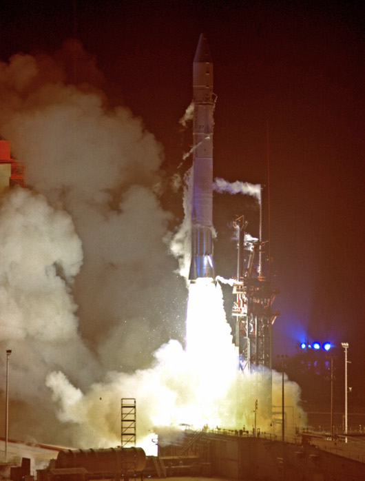 Launch_of_Pioneer_10-2_sm.jpg