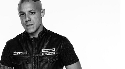 theo-rossi-as-juice-in-sons-of-anarchy-theo-rossi-38278213-500-279.jpg