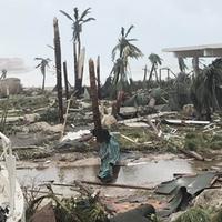 Trump szerint Puerto Rico lakói segíthetnének magukon