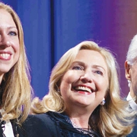 Clintonék receptje: tagadj, támadj, tarts ki!