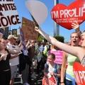 Ennyit költenek az ír pártok az abortuszkampányra