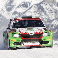 A Škoda Fabia R5-tel reklámoz a Pirelli