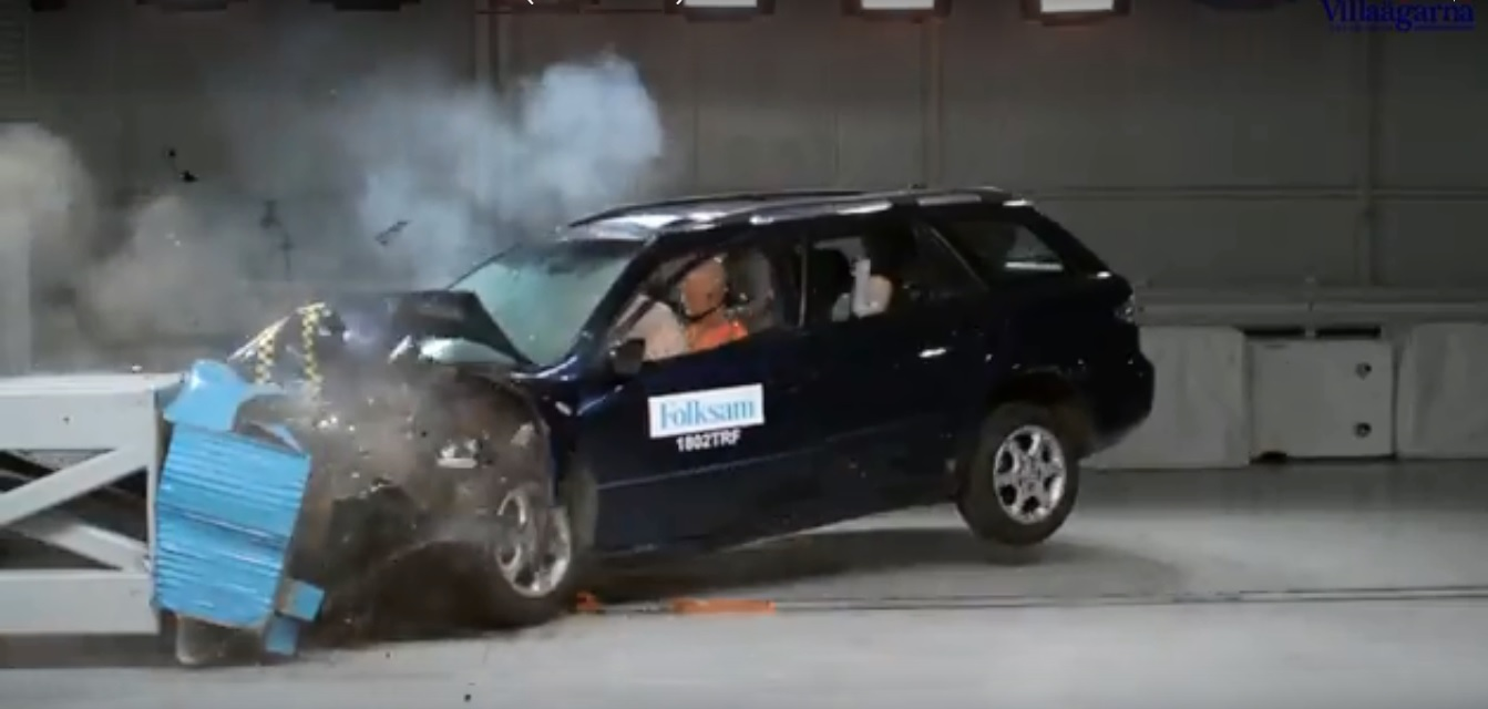 mazda6_crash_test.jpg
