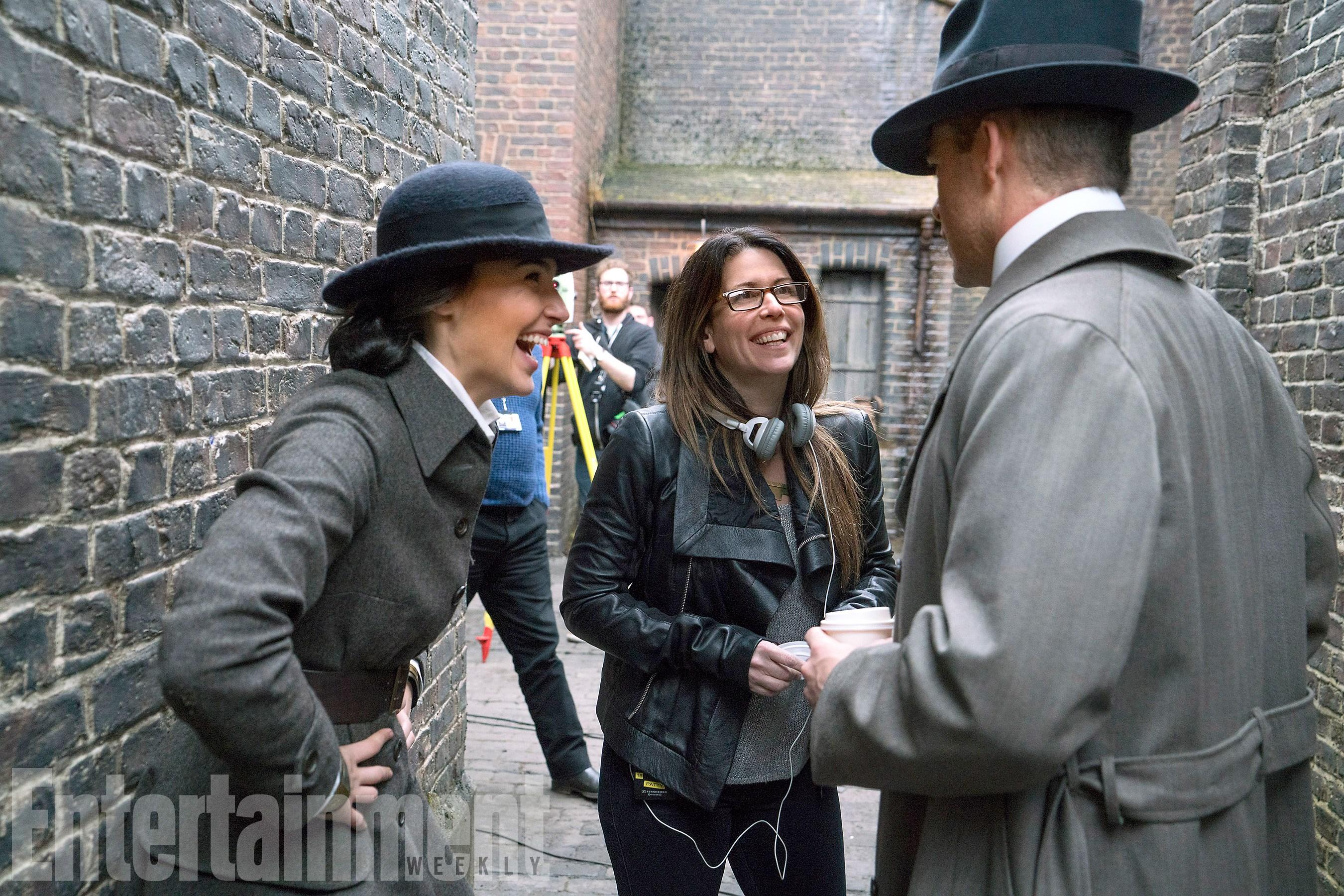 Gal Gadot (Diana Prince/Wonder Woman), Patty Jenkins rendező és Chris Pine (Steve Trevor)