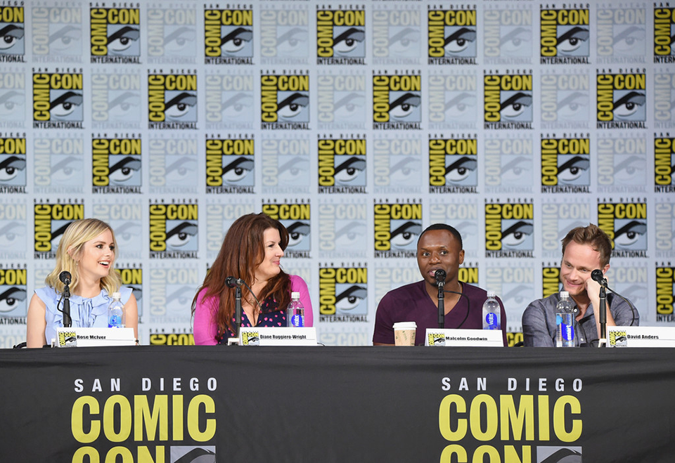 Rose McIver, Diane Ruggiero-Wright producer, Malcolm Goodwin és David Anders (iZombie)