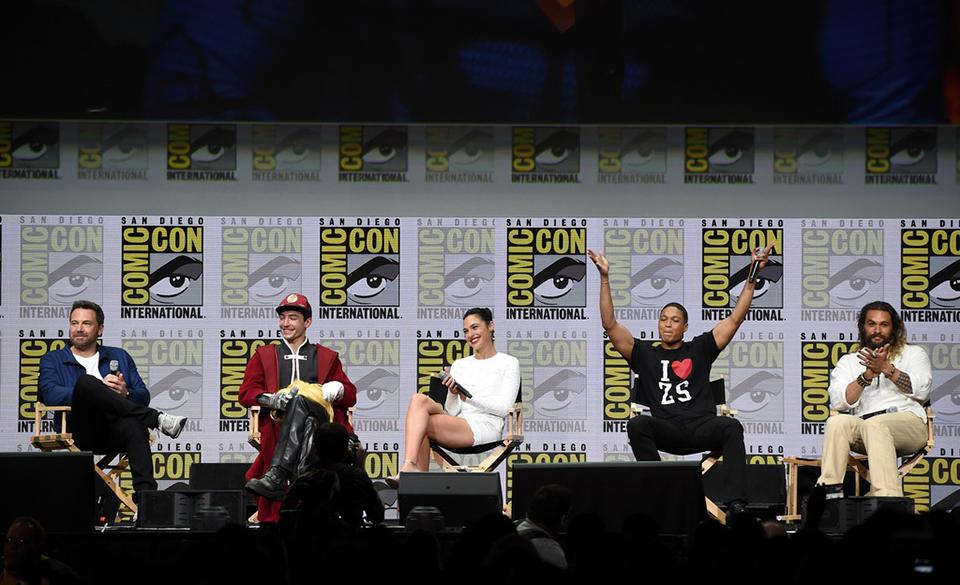 Ben Affleck, Ezra Miller, Gal Gadot, Ray Fisher és Jason Momoa