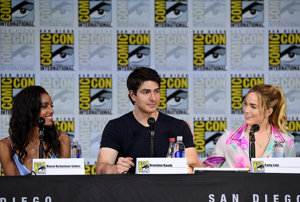 Maisie Richardson-Sellers, Brandon Routh és Caity Lotz (DC's Legends of Tomorrow)