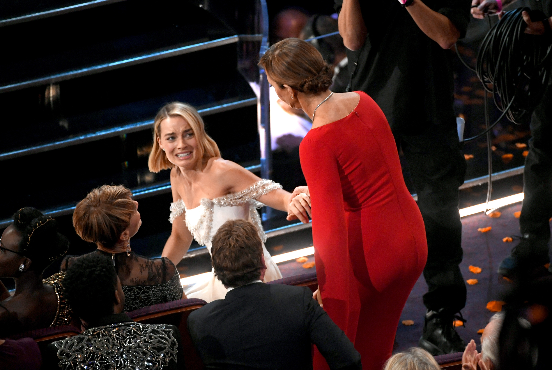 Margot Robbie az 'Én, Tonya' című filmbeli színésztársa, Allison Janney díjának örülhetett
