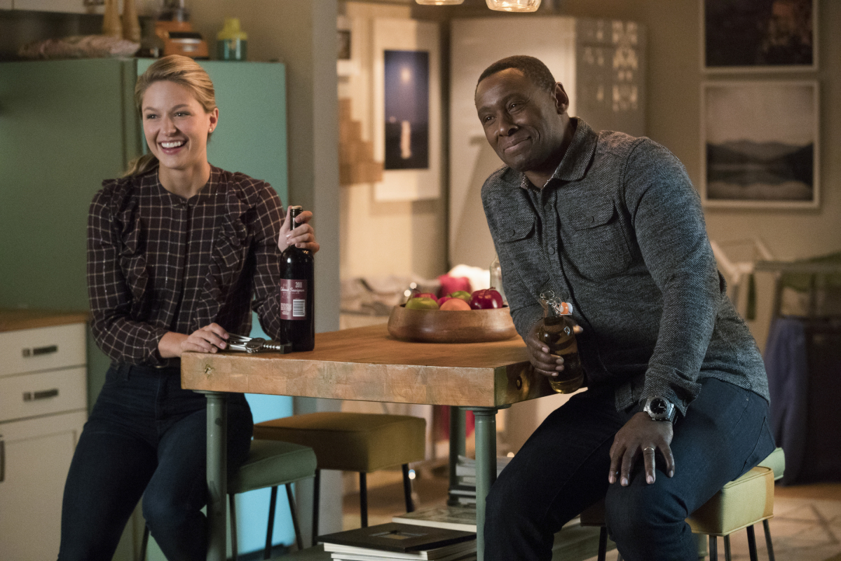 Supergirl -- 'In Search of Lost Time' -- Image Number: SPG315b_0398.jpg -- Pictured (L-R): Melissa Benoist as Kara/Supergirl and David Harewood as Hank/J'onn -- Photo: Jack Rowand/The CW -- © 2018 The CW Network, LLC. All Rights Reserved.