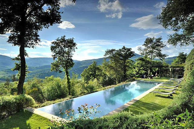 villa-arrighi-a-luxury-converted-farmhouse-in-umbria-italy.jpg