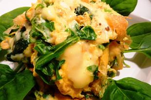 Sajtos-spenótos-rukkolás tojás, vacsora 10 perc alatt
