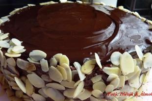 Pehelykönnyű triplacsokoládé torta