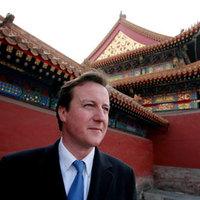 Veszélyes vizekre evezett David Cameron Kínában