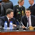 NATO: Mit lehet tenni az ukrán krízis megoldásáért?