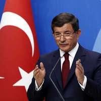 Lemondott a török miniszterelnök – az ország külpolitikai reorientációja ettől nem áll le