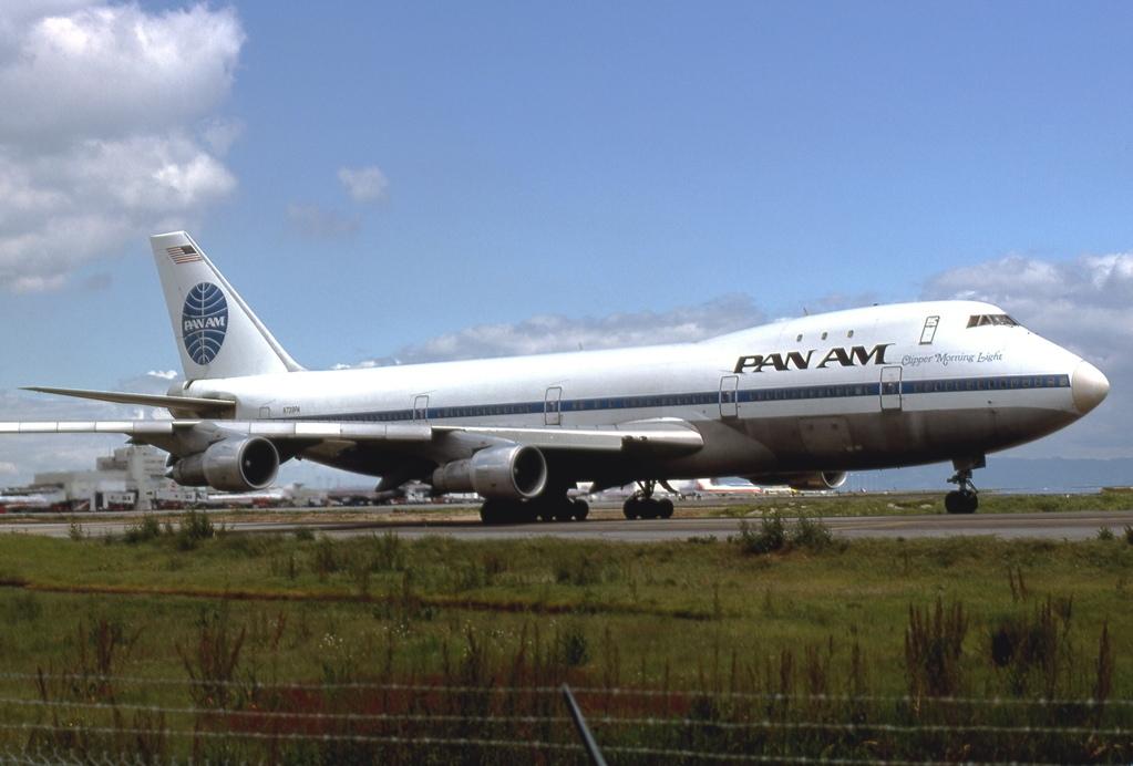 boeing_747-121_pan_am_jp5894156.jpg