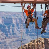 Extrém ablakpucolás 1220 méter magasan