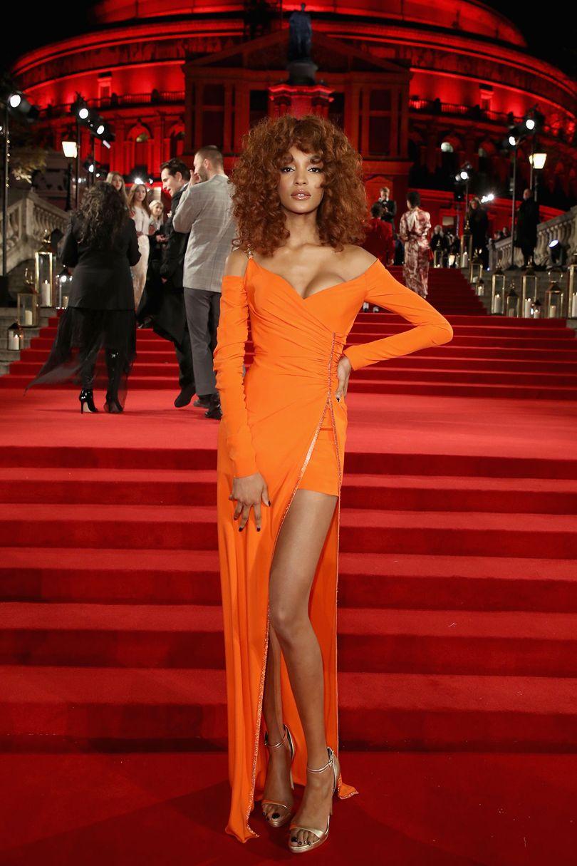 Jourdan Dunn modell Versace-t választott. Forrás: vogue.co.uk