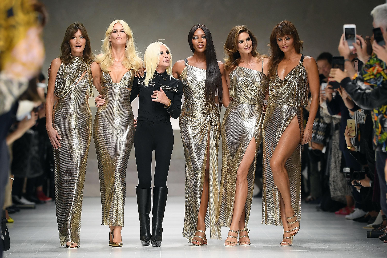 Donatella Versace '18 Tavasz<br />Forrás: Harper's Bazaar