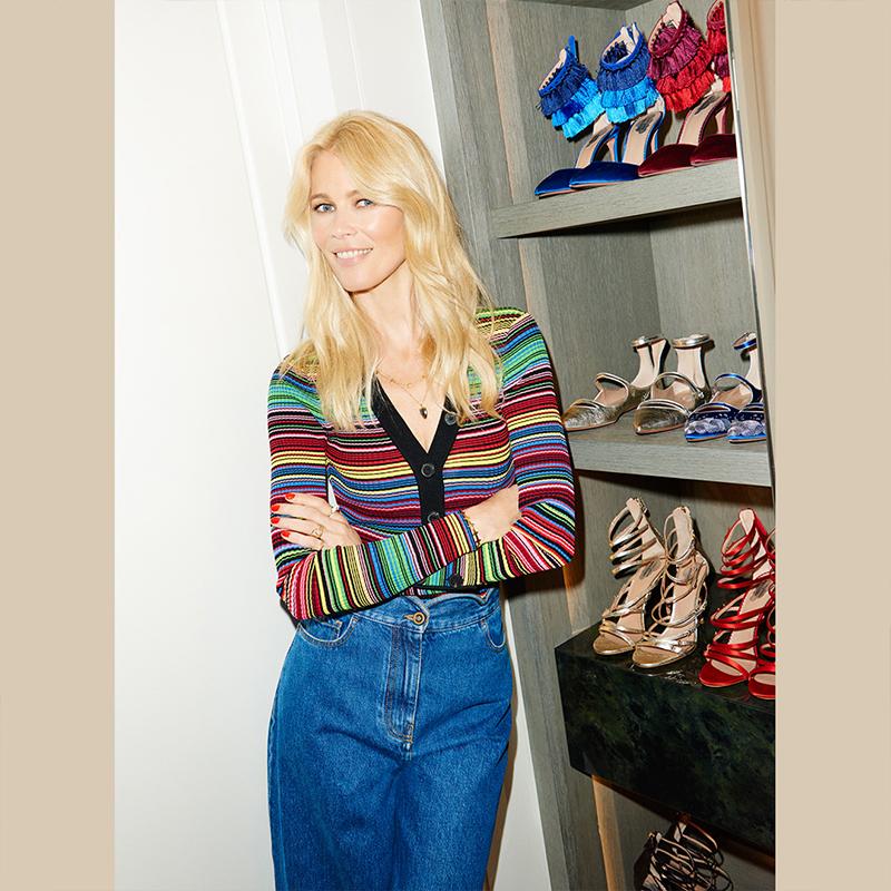 Claudia Schiffer és az általa tervezett lépők. Forrás: Aquazzura.com