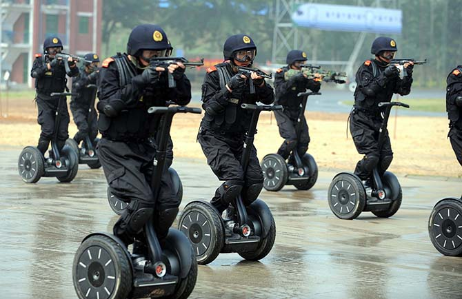segway-police-unit-china.jpg