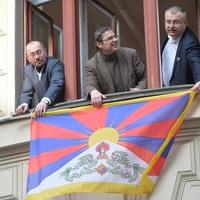 Csehország Tibet kínai megszállására emlékezik