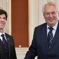 Önnek a prágai vagy a budapesti amerikai nagykövet a szimpatikusabb?