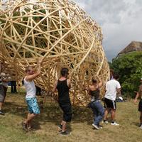 Szociálisan érzékeny, kreatív, magyar: Hello Wood