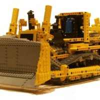 Motorized bulldozer (8275)