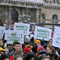 Japán-magyar: 2:0. Fideszes öngólok a felsőoktatásban