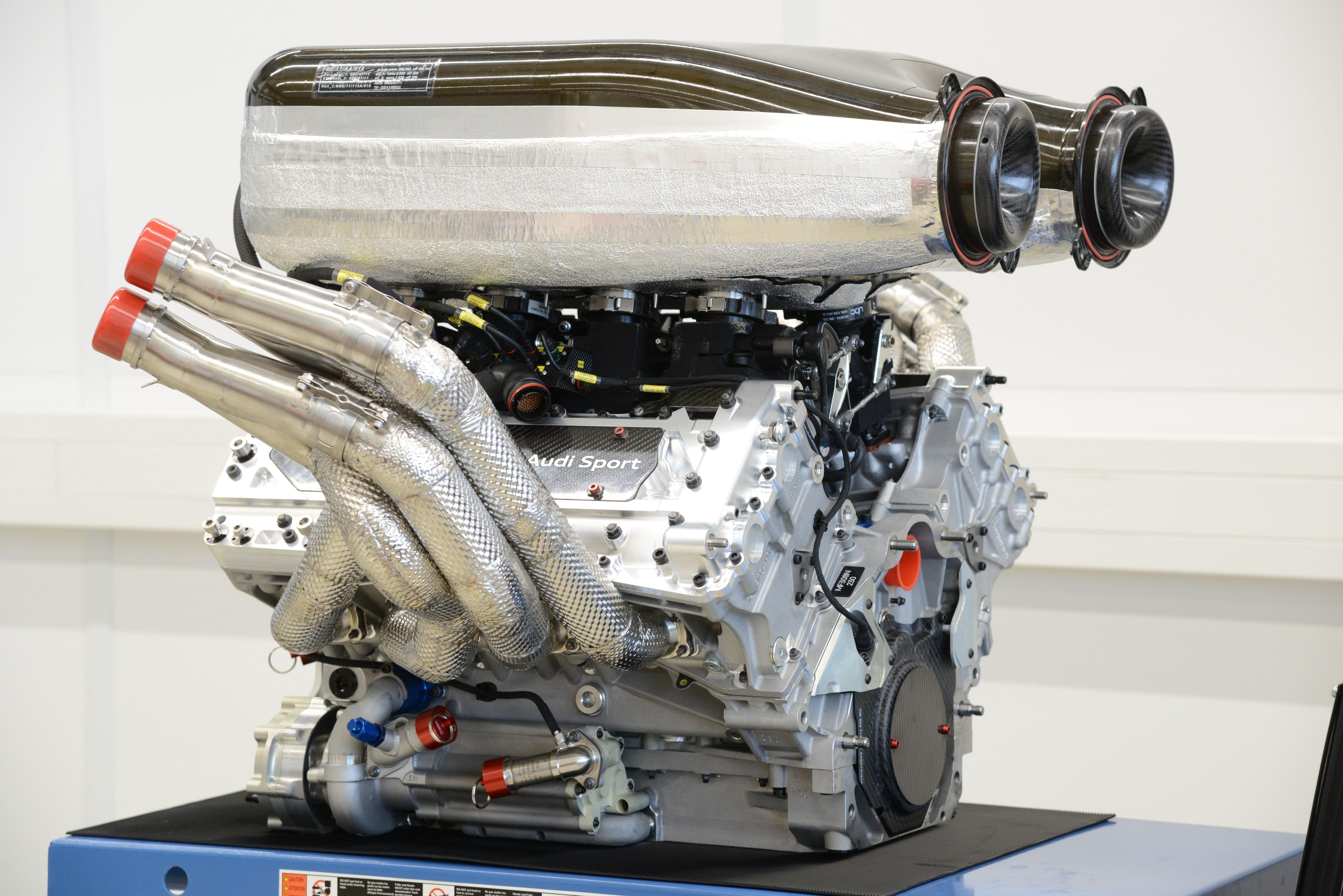 audi-rs5-dtm-motor.jpg