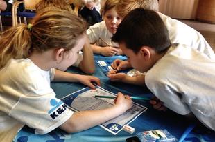 Dunakeszi diákok nyertek egy pénzügyi vetélkedőn