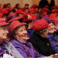 Ki fér még be a vörös kalap alá?