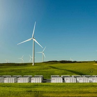 Megépíti a világ legnagyobb lítium-ionos akkumulátorát a Tesla