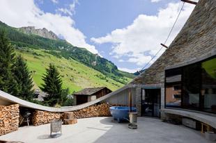 Ékszerdoboz az Alpok belsejében