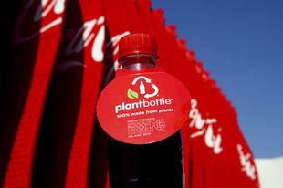 100%-ban növényi alapú palackok a Coca-Colánál