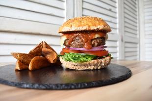 BBQ Burger Steak burgonyával