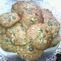 Gluténmentes sokmagvas keksz