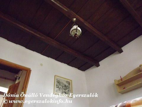 Rusztikus menyezet - Egerszalók, Dónia vendégház