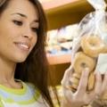Lejárt szavatosságú élelmiszer: árt, ha megesszük?