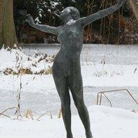 13 vidám szobor, ami élvezi a hóesést