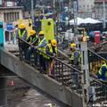 Széll Kálmán tér: Megkezdődött a gyalogoshíd bontása
