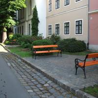 Megszépült padok a Tóth Árpád sétányon