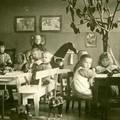 Finn óvodások százéves fényképeken