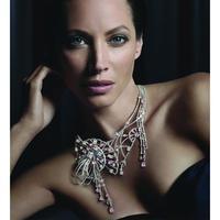 Christy Turlington és a Louis Vuitton őszi ékszerkollekciója