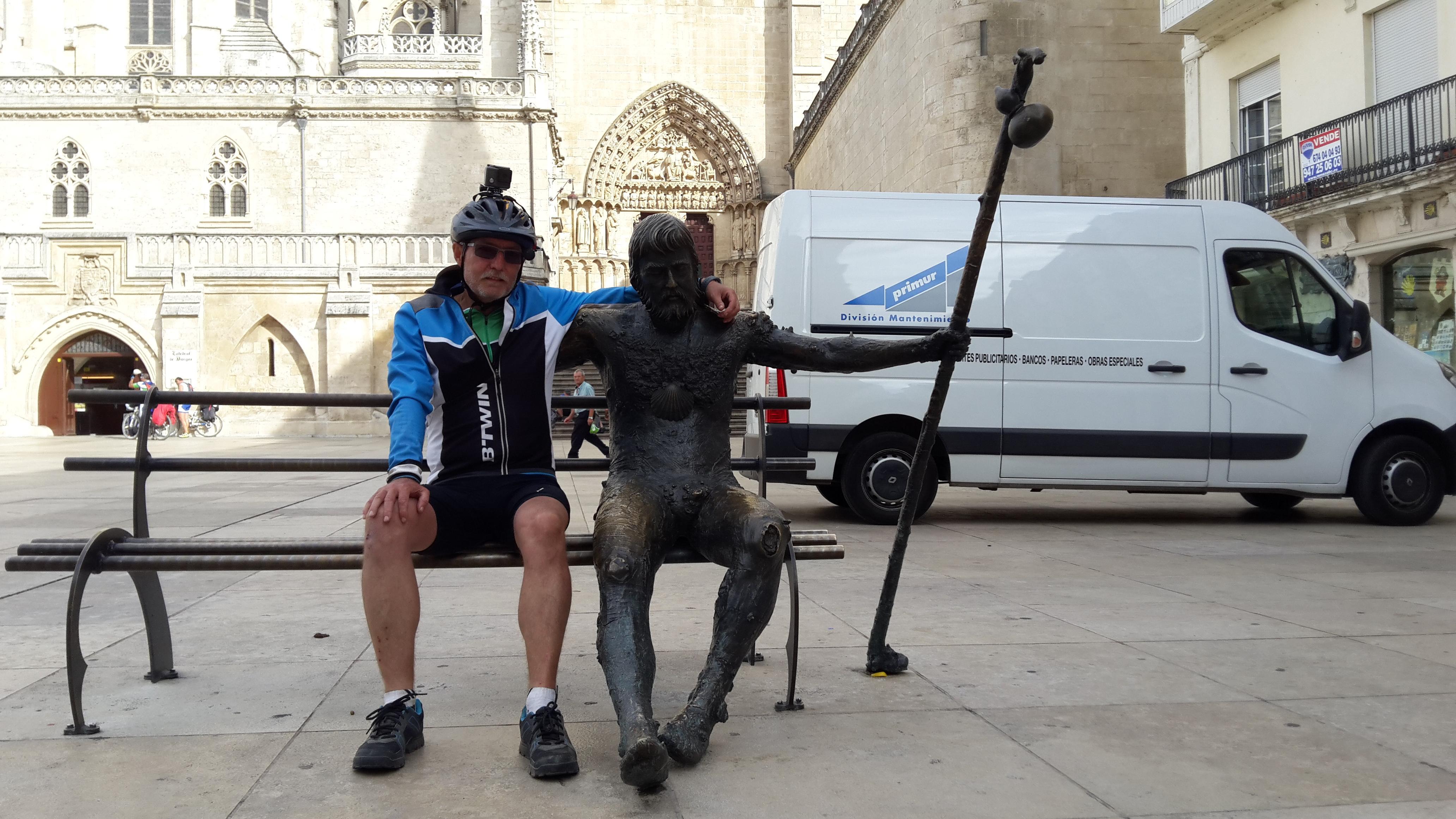 Burgos Zarándokszobor.  Sculpture Pilgrim on the Way of St. James