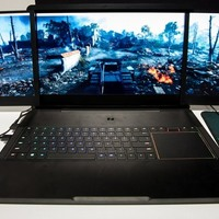Laptop 3 monitorral