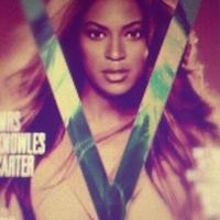 Beyoncé a V magazin áprilisi címlapján (előzetes kép)