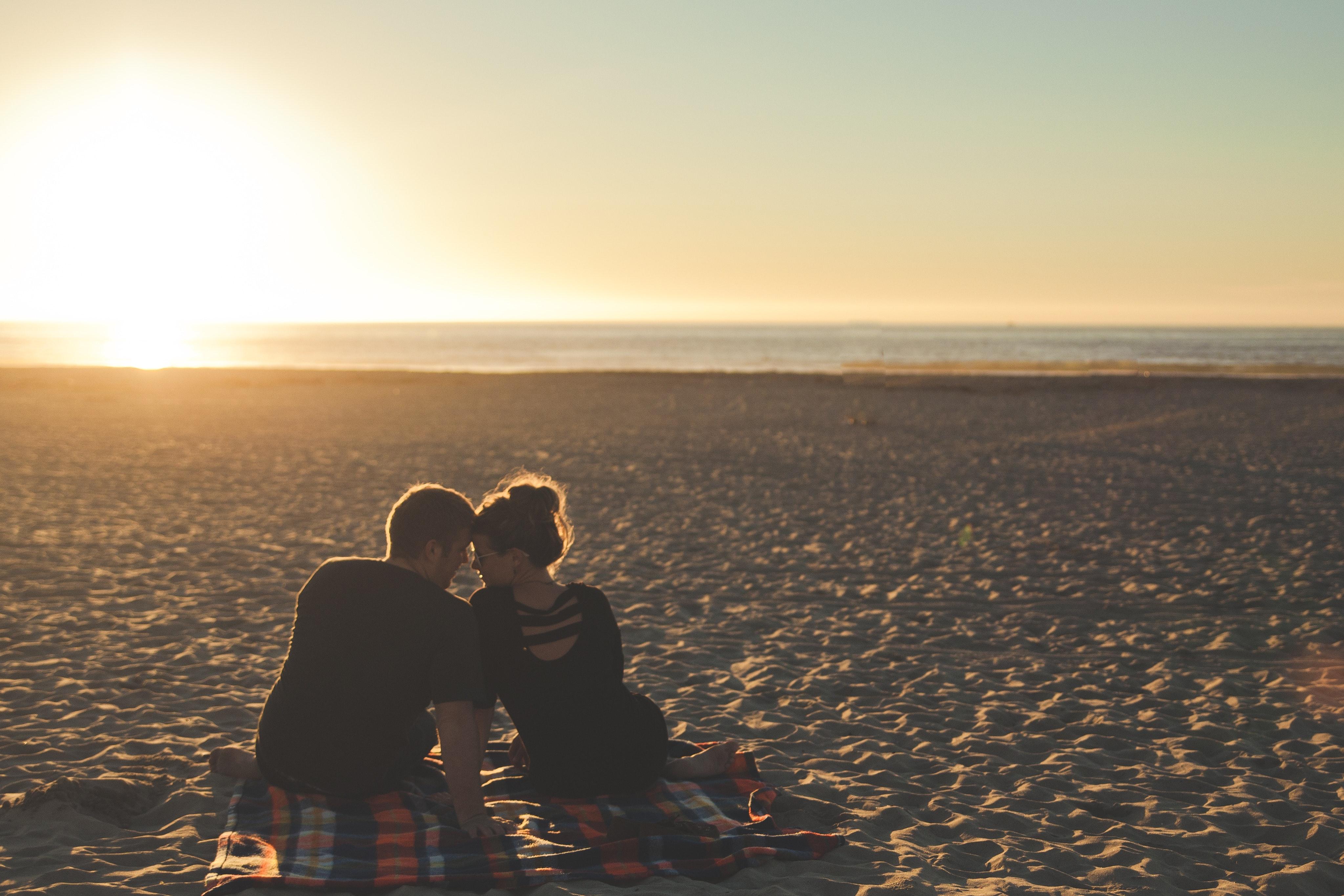 sunset-beach-couple-love-58572.jpg